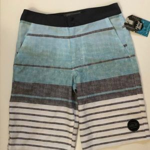 5b925b3d30 Valor Collective Boys Hybrid Shorts size 10
